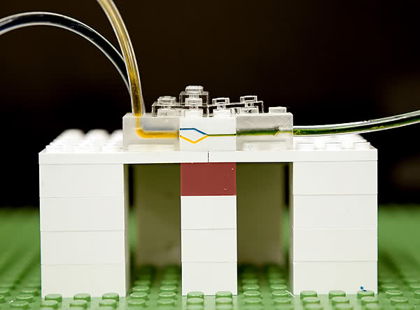 Microfluidics using popular interlocking blocks
