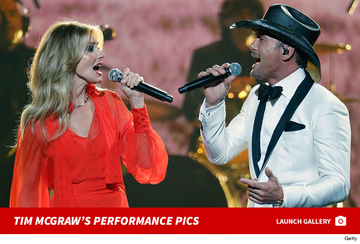 Tim McGraw Arrives Back in the U.S. After Dublin Collapse