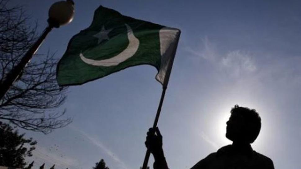Pakistan economy set to surpass last year's decade-high growth