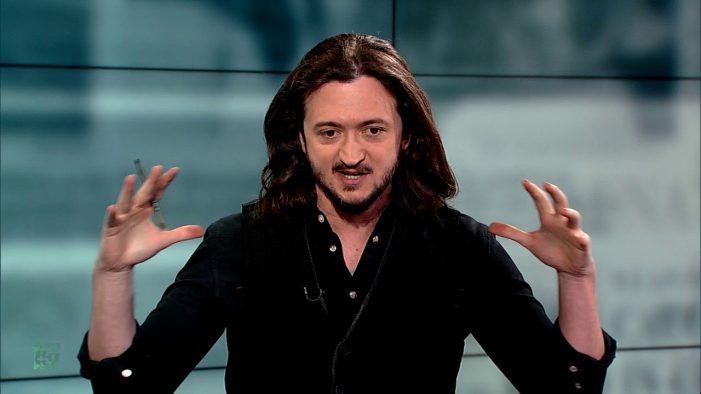 Why do liberals support 'madman' Trump's Syria strikes? RT's Lee Camp marvels at 'resistance' logic