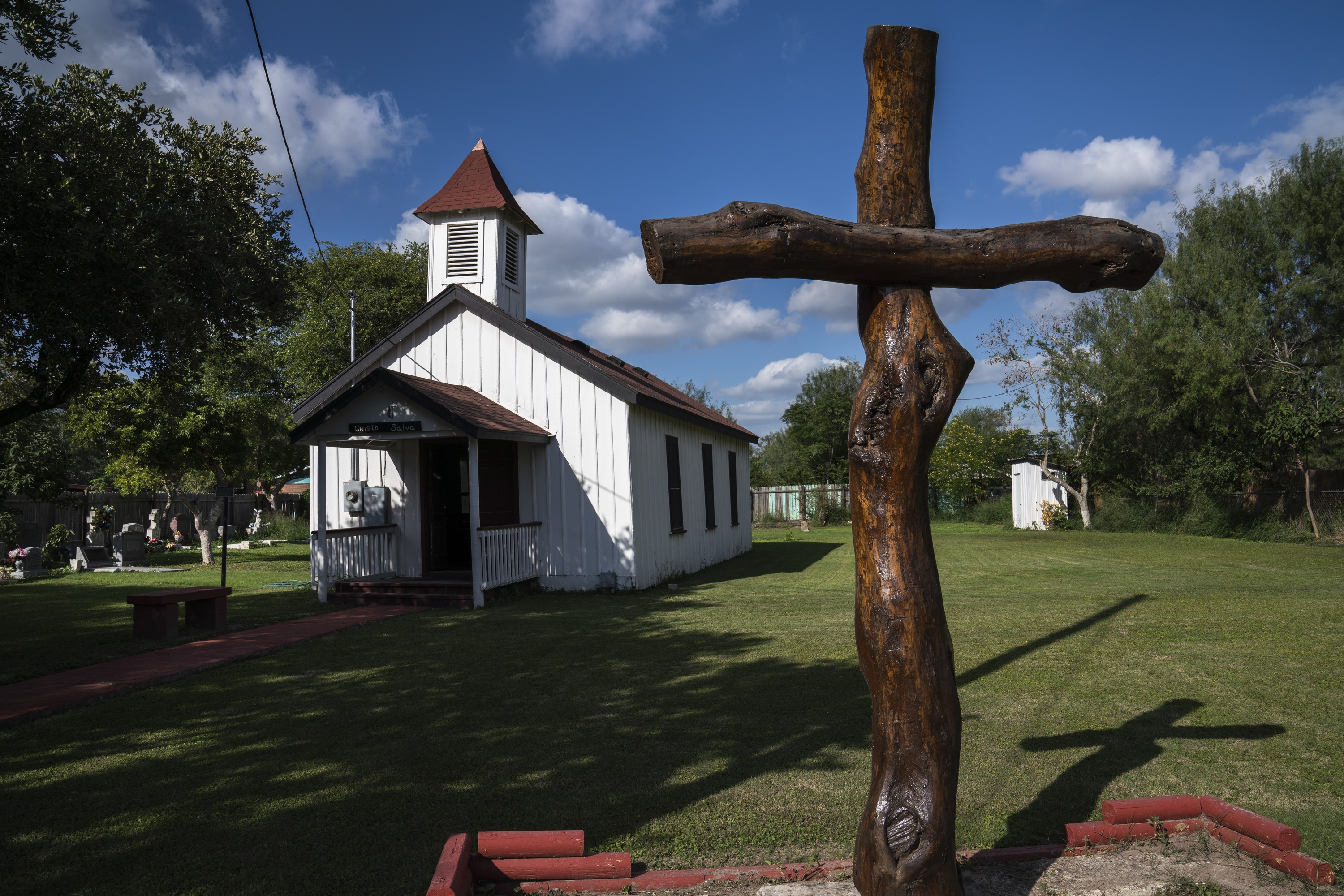 The Martin Jackson Church and Cemetery in San Juan, Tex. on Nov. 6, 2018. The new proposed wall would leave this property on the south side of it.Photo: Verónica G. Cárdenas for The Intercept