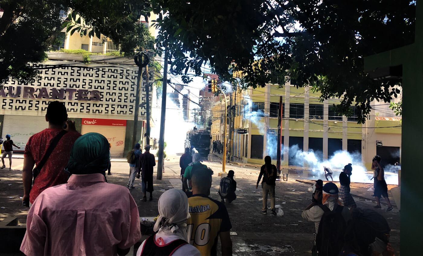 Honduras Protest Teargas